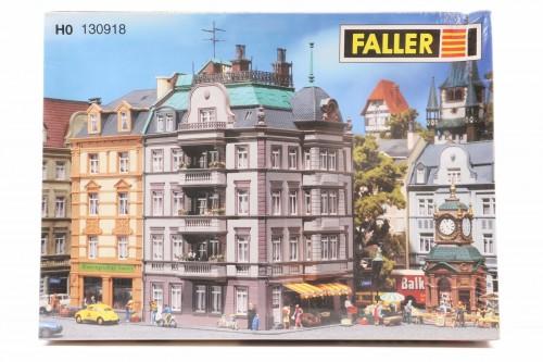 FALLER-130918.jpg